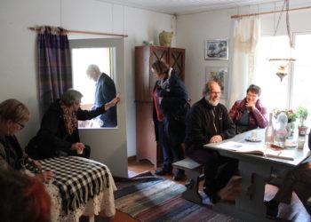 Kuvia ja tunnelmia Riitta Ahoksen taidenäyttelystä syyskuulta Joutsenon Karsturannasta